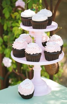 Dessert Bar Inspiration: Cupcake tower! Photo by Maria Longhi Photography.