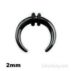 Cuerno dilatador de acrílico en negro para tu septum o lóbulo de la oreja. Ideal para dilatar tu septum o tu oreja. Agrandar tu septum es fácil! 2mm grosor