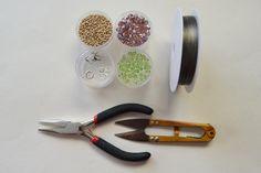 supplies needed in DIY the seed bead flower bracelet