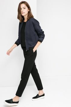 97 Best and Stylish Business Casual Work Outfit for Women - Biseyre 97 Best and Stylish Business Casual Work Outfit for Women - Biseyre. Work Jackets, Jackets For Women, Clothes For Women, Bomber Jackets, Work Fashion, Trendy Fashion, Fashion Fashion, College Fashion, Office Fashion
