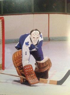 Jacques Plante - Toronto Maple Leafs ( informational link under construction. Hockey Shot, Women's Hockey, Ice Hockey Teams, Hockey Games, Hockey Players, Hockey Highlights, Goalie Mask, Sports Figures, National Hockey League