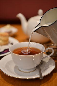 喫茶店ならではのゆったり空間で、おいしいスイーツとともにこだわりの紅茶を味わう…そんな週末はいかが?紅茶好きにおすすめしたい、おいしい紅茶が楽しめる2軒をご紹介します。