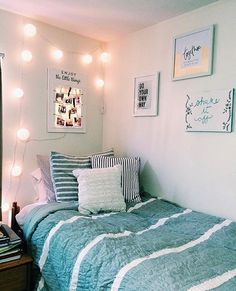 Dorm Room Essentials Create A Stylish Space For Lounging, Studying & Sleeping 49 Cute Bedroom Ideas, Room Ideas Bedroom, Bedroom Wall, Bedroom Decor, Beachy Room Decor, Wall Decor, Bedroom Inspo, Bedroom Furniture, Dorm Room Bedding