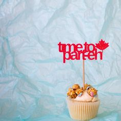 Excited to share the latest addition to my shop: time to part-eh Cupcake Toppers - Canada Day Cupcake Toppers - Canada Day Party Décor Funny Cake Toppers, Cupcake Toppers, Halloween Cakes, Halloween Party Decor, Spider Web Cake, Canada Day Party, Large Cupcake, Cupcakes, Printed Ribbon