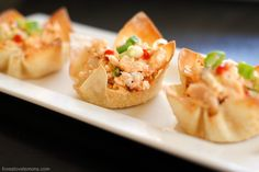 Veggie Pizza & Buffalo Chicken Wonton Cup Appetizers – so simple, so fast, yet such impressive party bites! Yummy Appetizers, Appetizer Recipes, Parmesan Soup, Wonton Cups, Chicken Wontons, Veggie Pizza, Slow Cooker Chicken, Cooked Chicken, Wonton Wrappers
