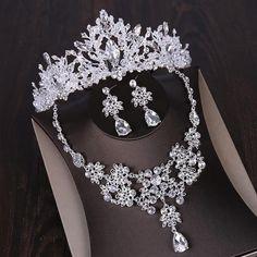 Wedding Dress Accessories, Wedding Jewelry Sets, Jewelry Accessories, Bridal Headpieces, Bridal Hair, Wedding Hair, Wedding Crowns, Wedding Tiaras, Bridal Crown