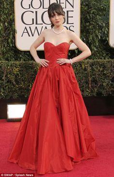 Zooey Deschanel in Oscar de la Renta - Golden Globes 2013
