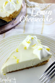 This No Bake Lemon Cheesecake is the perfect balance of sweet and tangy. It's the perfect treat to welcome spring and summer! Best Dessert Recipes, No Bake Desserts, Delicious Desserts, Holiday Recipes, Nake Cake, No Bake Lemon Cheesecake, Cheesecake Recipes, Salty Cake, Savoury Cake