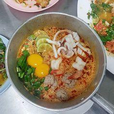 라면 먹고 갈래? Ramen meokgo galrae? #camilleinbangkok