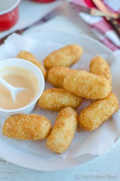 What to do with leftover mashed potatoes... make these potato croquettes with a sweet sriracha mayo
