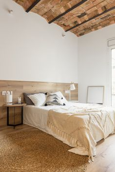 Gallery of NDT.304 Apartment / MZAM - 4 Custom Furniture, Cool Furniture, Apartment View, Interior Design Shows, Old Apartments, Exposed Brick Walls, Double Bedroom, Interior Walls, Home Bedroom
