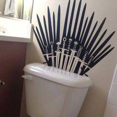 Game of Thrones Wandtattoo. Verwandeln Sie Ihren Porzellanthron in einen Thron . - Game Of Thrones Bolo Game Of Thrones, Casas Game Of Thrones, Game Of Thrones Decor, Game Of Thrones Party, Game Of Thrones Quotes, Game Of Thrones Funny, Game Thrones, Bathroom Wall Stickers, Wall Decals