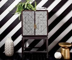 Elevated Neutrals  Mixing and matching patterns become significantly easier when paired with a monochromatic or neutral palette. Filter in sporadic pops of color or sleek metallics to establish a dynamic finish.