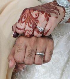 Image Couple, Love Couple Images, Couples Images, Cute Couples, Pre Wedding Poses, Wedding Couples, Wedding Ceremony, Engagement Announcement Photos, Engagement Photos