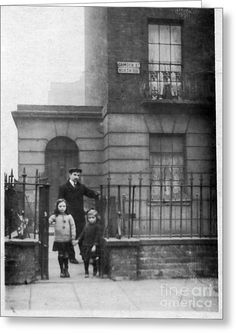 A house in Camden Street, London - picture taken almost hundred years ago by John Chatterley London Pictures, London Photos, Old Pictures, Old Photos, Victorian London, Vintage London, Old London, London 1800, Camden London