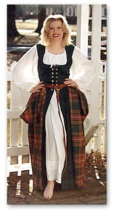 Ladies Arisaid -- my goal to wear at Celtic festivals. Celtic Clothing, Scottish Clothing, Scottish Fashion, Renaissance Costume, Renaissance Clothing, Historical Clothing, Historical Costume, Scottish Costume, Scottish Dress