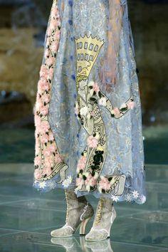 Tweed Rose: Close up: Fendi FW'16 couture