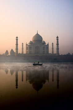 AGRA, India - Taj Mahal