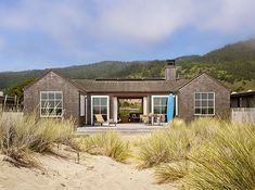 Stinson Beach House is located along the ocean at Stinson Beach in Northern California designed by Butler Armsden Architects