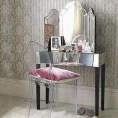 """""""Romantik makyaj masaları"""" ~ Uyduruk Prenses"""