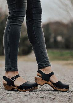 Women S Shoes Victorian Era Black Sandals Outfit, Clogs Outfit, Renaissance Clothing, Steampunk Clothing, Gypsy Clothing, Steampunk Fashion, Mary Jane Clogs, Swedish Clogs, Shorts Outfits Women
