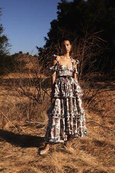 Vogue Fashion, Fashion 2020, Fashion News, Fashion Show, Fashion Trends, Fashion Spring, Editorial Fashion, Backstage, Flowery Dresses