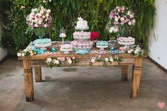 Fazemos decoração de casamento com flores naturais, temos um ótimo preço para seu momento inesquecível. <br>Solicite um orçamento e garanta sua data aqui na Sweet Joy.
