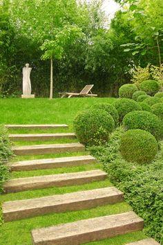 Step thru garden
