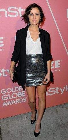 Love sequin skirt! This may be my Christmas party outfit. Redux for NYE!