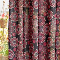 蝶と花で永遠の美しさを表現したファブリック。カーテンやベッドカバーなどのインテリアファブリックに。綿100%のシーチング生地。薄手なのでブラウスやシャツなど洋服にも使えるよ。 Curtains, Fabric, Decor, Tejido, Blinds, Tela, Decoration, Cloths, Fabrics