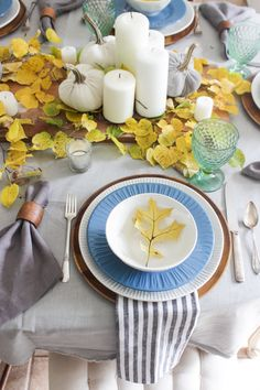 Fall table with yell
