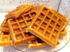 Amish Friendship Bread Waffles by Paula Altenbach Amish Bread Recipes, Waffle Iron Recipes, Baking Recipes, Sourdough Recipes, Dutch Recipes, Syrup Recipes, Yummy Recipes, Dinner Recipes, Gastronomia