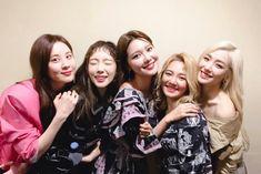 - seohyun,taeyeon,sooyoung,hyoyeon, and tiffany shared by 맨디 Snsd, Sooyoung, Yoona, Girl's Generation, Girls' Generation Taeyeon, Kpop Girl Groups, Korean Girl Groups, Kpop Girls, Bts Girl