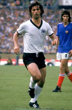 Gerd Muller,West Germany,10 goals