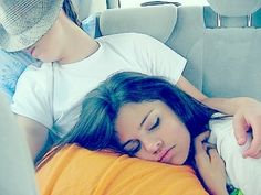 Aww! They're so adorable when they're sleeping! <3 can I sleep like that with Justin haha ❤️