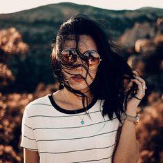 | retrato | retratos femininos | ensaio feminino | ensaio externo | fotografia | ensaio fotográfico | fotógrafa | mulher | book | girl | senior | shooting | photography | photo | photograph | nature | wind | glasses Portrait Photography, Nature Photography, Photoshoot, Instagram, Pretty, Inspiration, Gopro, Picture Ideas, Books