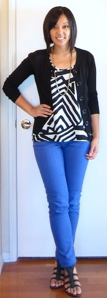 Outfit Posts: outfit post: graphic black and white top, blue cropped pants, black cardigan. Not the shoes. Colored Pants, Colored Denim, Colored Jeans Outfits, Cobalt Jeans, Cobalt Blue Pants, Blue Pants Outfit, Blue Skinny Jeans, Blue Jeans, Blue Skinnies