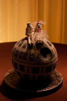 Death Star groom's cake! Lord give me a husband who would have this awesome of a cake at our wedding :)