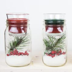 Ideas Diy Christmas Centerpieces Candles Mason Jars For 2019 Mason Jar Candle Holders, Mason Jar Candles, Diy Candles, Scented Candles, Homemade Candles, Glass Candle, Diy Christmas Decorations Easy, Christmas Centerpieces, Christmas Candles