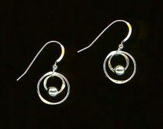 Interlocking Circle Earrings Sterling Silver by WvWorksJewelry