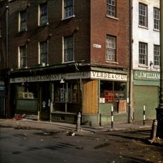 In the midst of life I woke to find myself living in an old house beside Brick Lane in the East End of London Street Pictures, London Pictures, London Photos, London History, Tudor History, British History, Vintage London, Old London, East End London