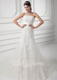 Zipper Tulle Appliques Mermaid Sleeveless Strapless Sweep White Wedding Dresses