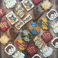 {@sarahscookiejar } .  QOTD: Which cookie in this photo is your favorite? ~Maddy (@forevermaddy_)