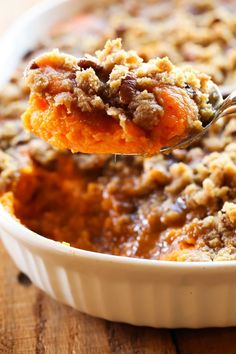 This looks yummy! This Sweet Potato Casserole is my absolute FAVORITE side dish at Thanksgiving or anytime really! It is perfectly sweet with a delicious crumb topping! It is always the first thing to disappear wherever I bring it! Southern Thanksgiving Recipes, Traditional Thanksgiving Recipes, Best Thanksgiving Side Dishes, Vegetarian Thanksgiving, Diy Thanksgiving, Thanksgiving Casserole, Italian Thanksgiving, Thanksgiving Vegetables, Brownie Desserts