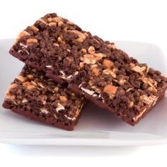 This page contains recipes for homemade protein bars.  Adding more protein to your diet is helpful in building muscle as well as losing weight. Protein bars can be quite expensive so making them at home will save you money.