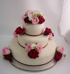 Gorgeous cakesbydonna ☺