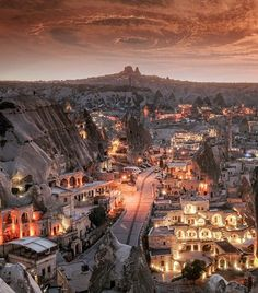 Amazing #sunset 😇💕 with @museumhotel 📌 #Cappadocia - #Turkey And thank you so much for recent features ☺️🙏🏻💕💜 @wonderful_places @beautifulhotels @discover.vacations @heavenly.hotels @hotelsandresorts #drone #skypixel