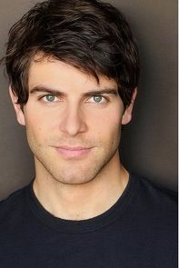 David Giuntoli star of NBC Grimm. He is a Grimm.a very handsome Grimm. David Giuntoli, Boy Hairstyles, Straight Hairstyles, Fashion Hairstyles, Spring Hairstyles, Elegant Hairstyles, Nick Burkhardt, Hommes Sexy, Hair 2018
