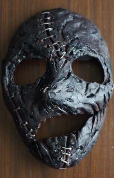 Creepy Masks, Cool Masks, Mascaras Halloween, Halloween Masks, Hellboy Tattoo, The Faceless, Ceramic Mask, Doctor Mask, Monster Concept Art