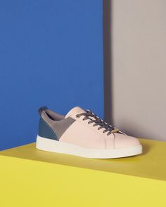 SHOP CBN: Opt for the epitome of sports-luxe with the VYSTA trainers. Featuring a contemporary colour block design and metallic trims, this modish pair will lend an opulent yet laid-back feel to your off-duty look.
